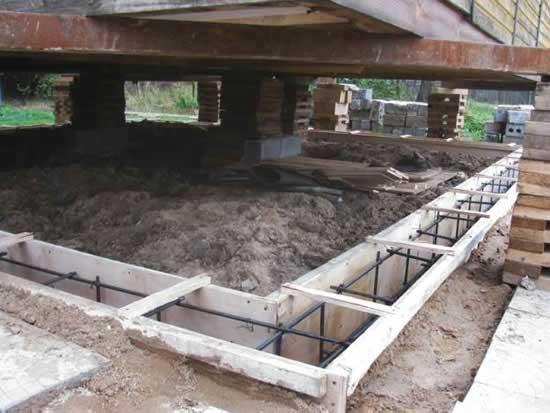 Ремонт фундамента деревянного дома в Череповце