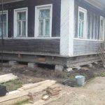 Сколько стоит поднять дом в СПб